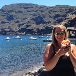 Dreams came true on this trip:  A delicious gyro on da beach in Thirasia